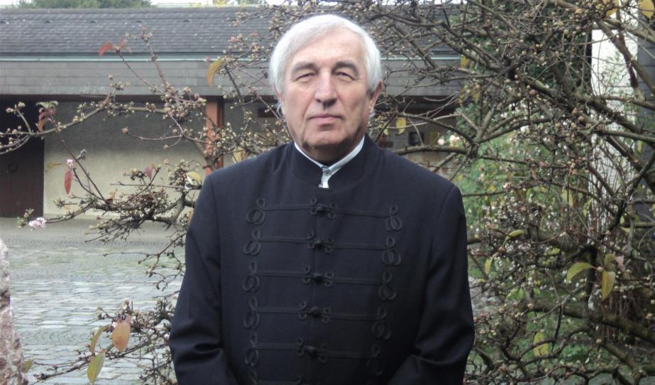 Dr. Vencser László
